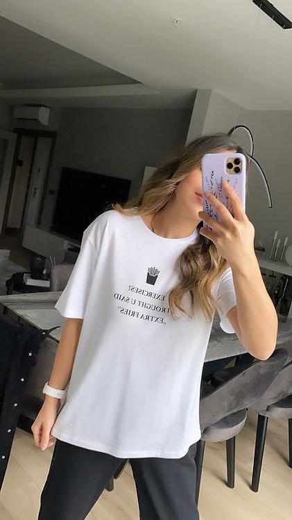 Siyah baskili beyaz Tshirt