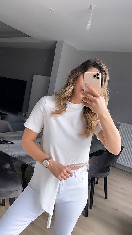 Gumus Zincir Detayli Tasarim beyaz Tshirt