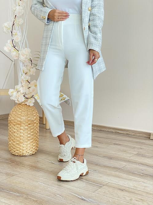 Beyaz flotlu kumas pantolon
