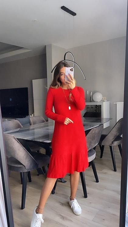 Kirmizi yun kaskorse elbise
