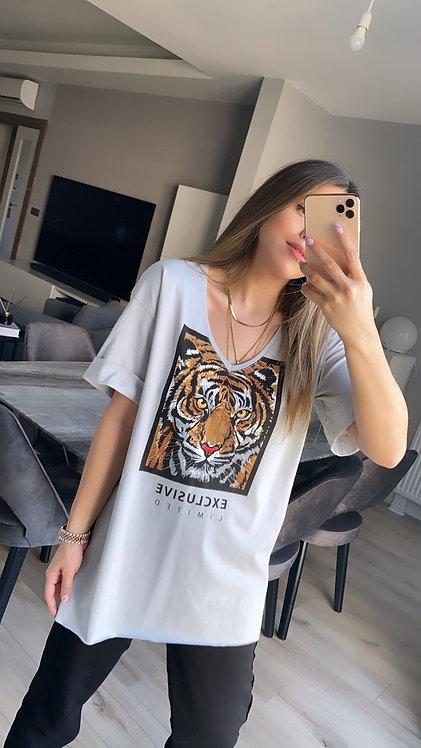 Gri Kaplanli V yaka Tshirt