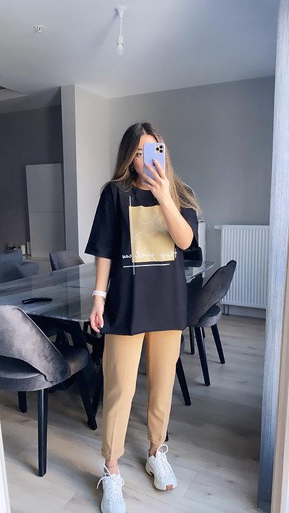 Siyah Uzeri Camel Baskili Tshirt