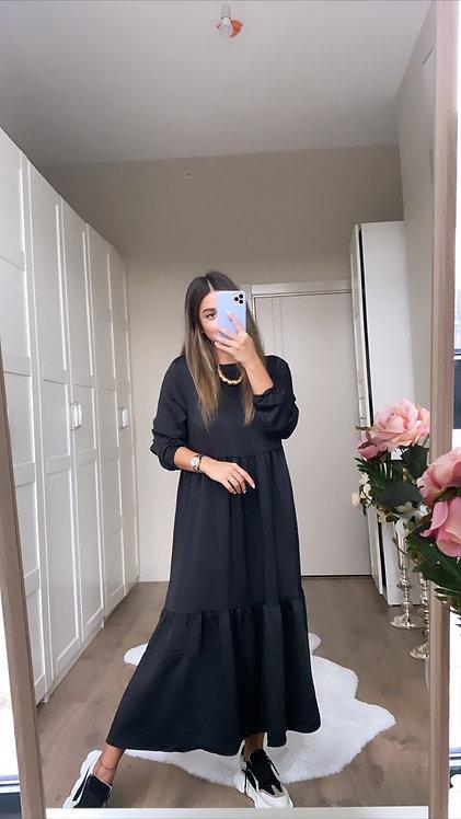 Siyah jakarli Elbise