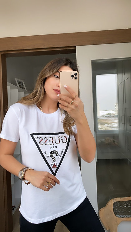 Beyaz Tasli Guess Tshirt
