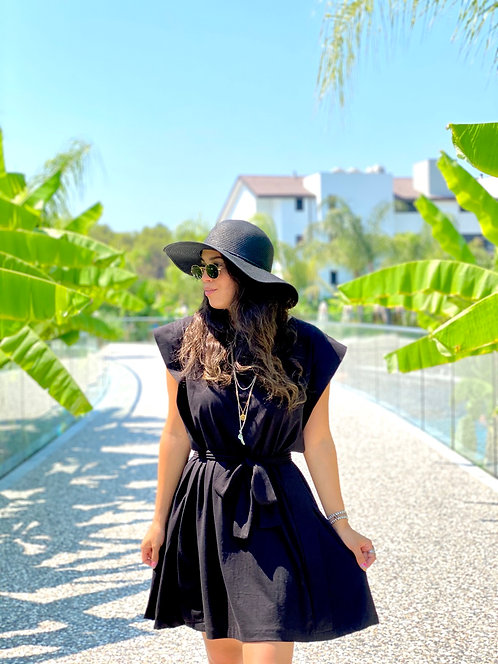 Siyah Omuzlari Kanatli Elbise