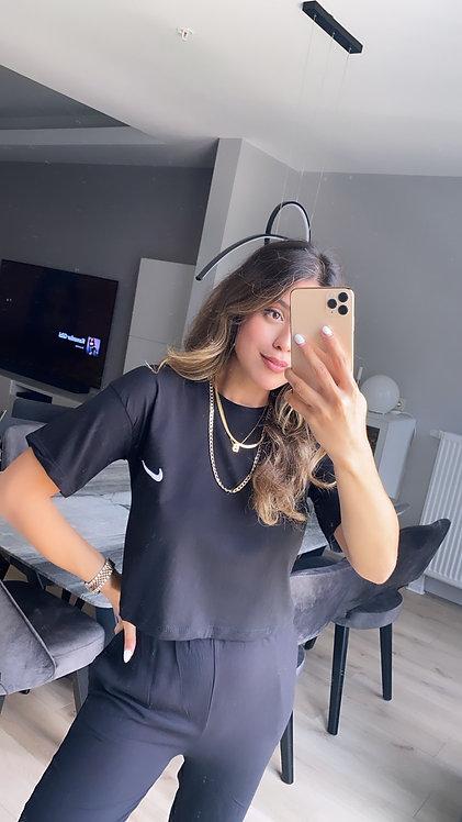 Siyah crop Nike Tshirt