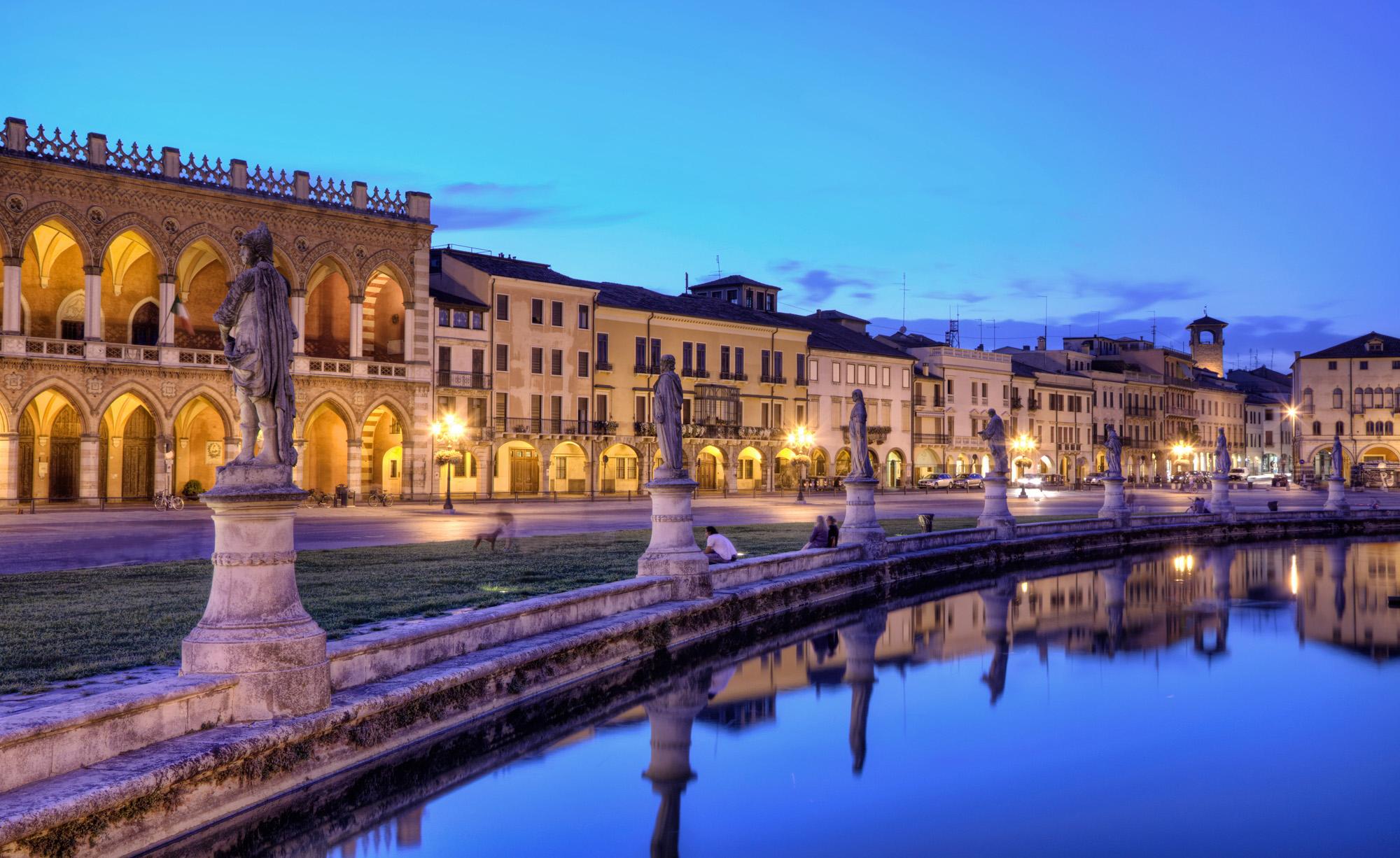 Prato-della-Valle nec.jpg