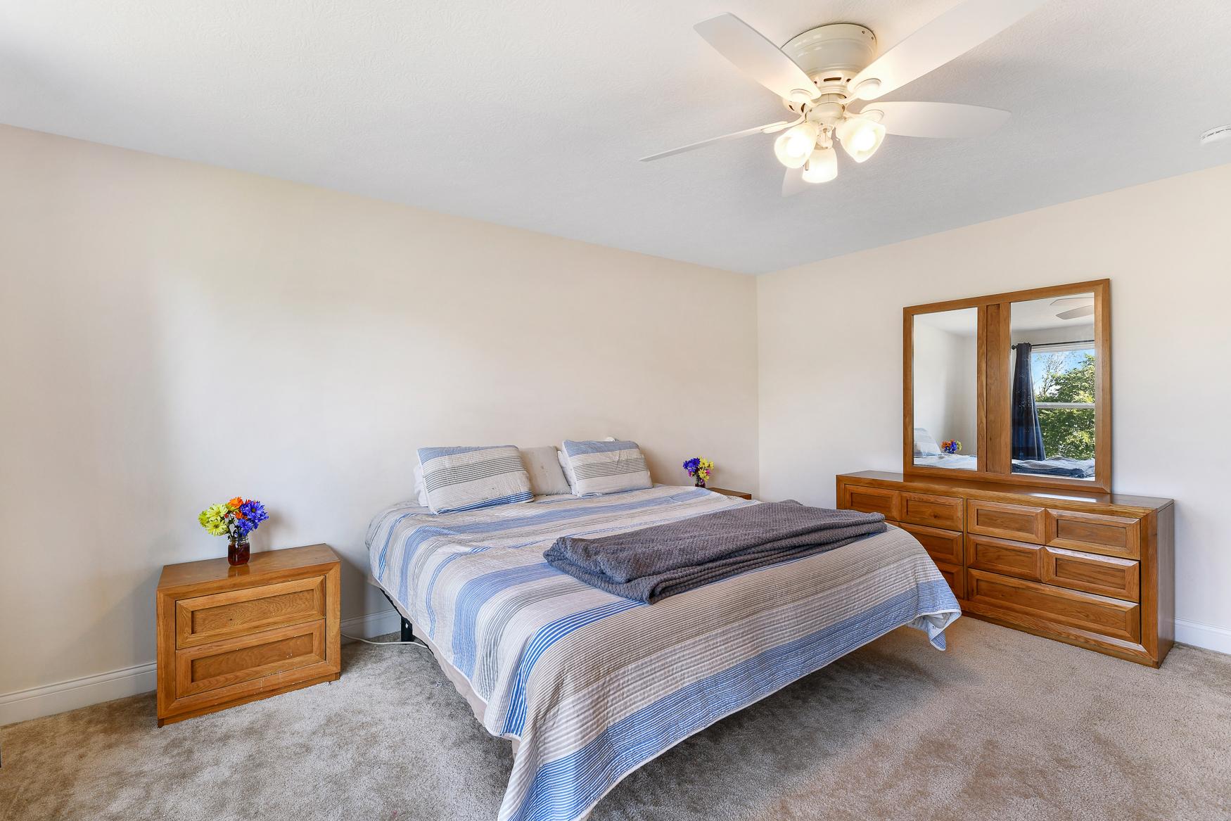 6090 Brookview Manor - (25)