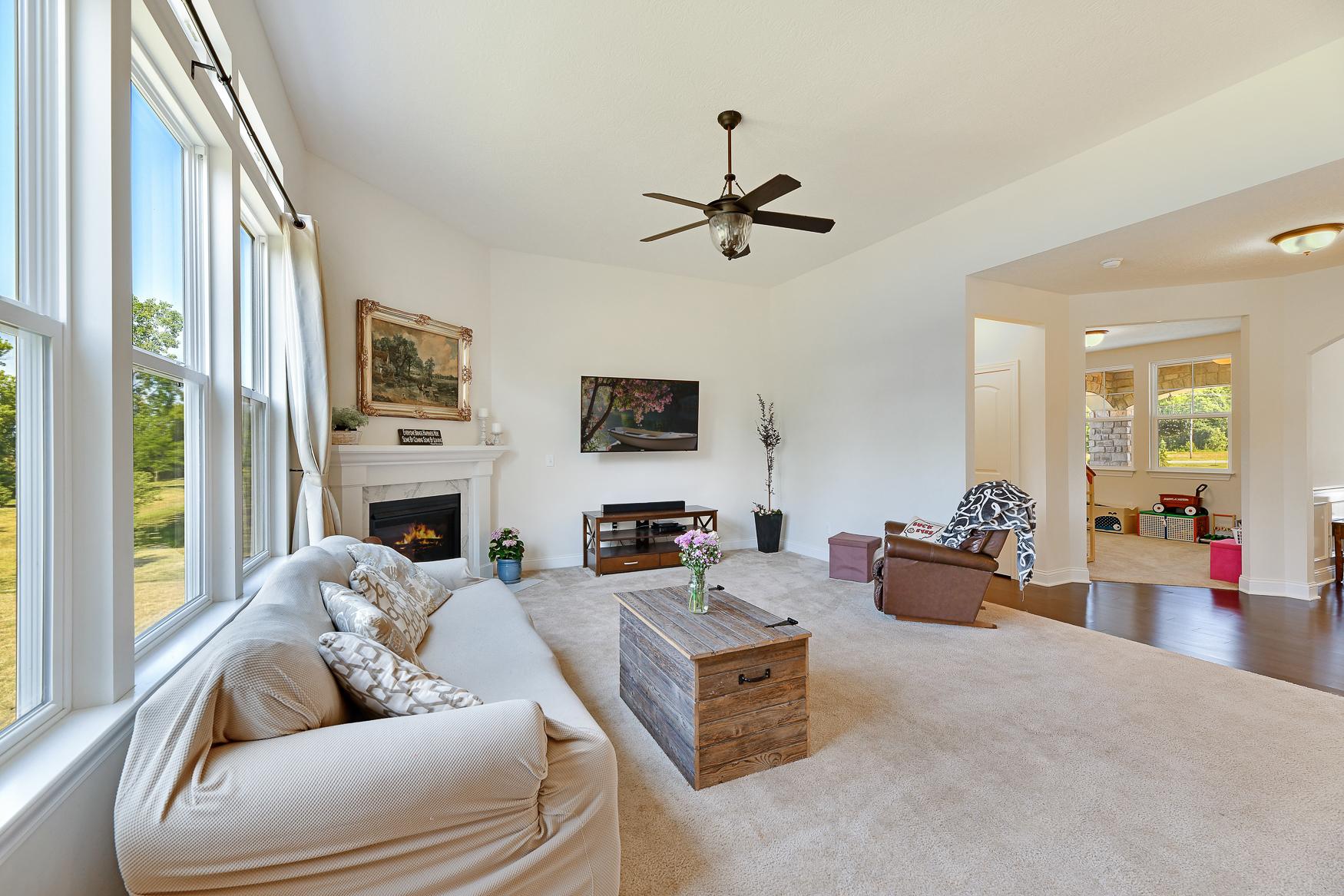 6090 Brookview Manor - (13)