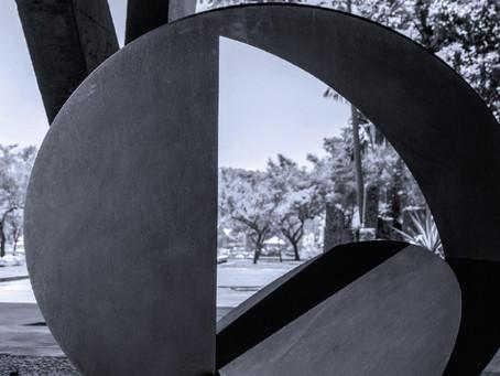 A fita e a dobra: análise das esculturas de Amilcar de Castro e Franz Weissmann no Neoconcretismo