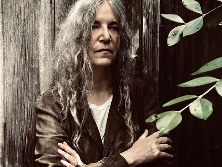 03 poemas de Patti Smith na tradução de Fergath