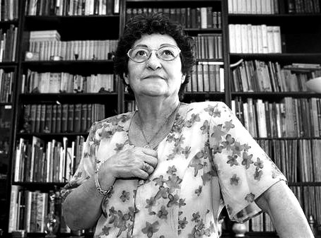 Francisca Aguirre na tradução de Julia Raiz