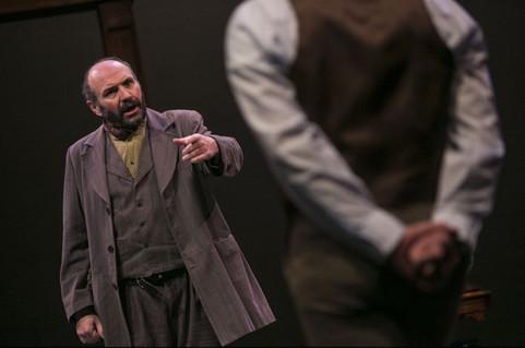Robert Frank as Dolittle.