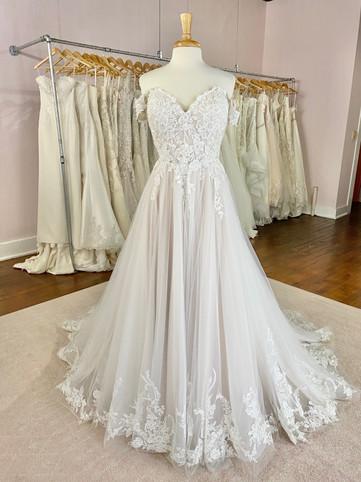 Dubuque, Iowa Wedding Dress