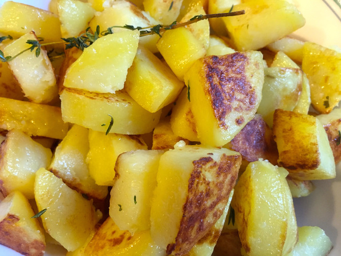 Baked Potato Cubes with Herbs