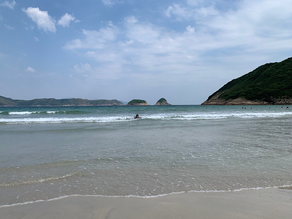 crystal clear water and soft white sand, saikung-rock-pools, big-wave-bay, tai-wan, hong-kong-hikes, top-hong-kong-hikes