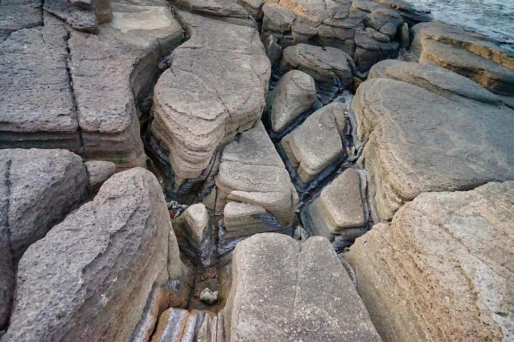 rocks in tung ping chau, hong-kong-hikes, top-hong-kong-hikes, hike-hong-kong, tung-ping-chau