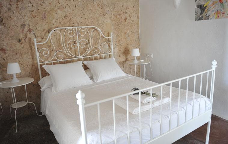 Habitación cama matromonio