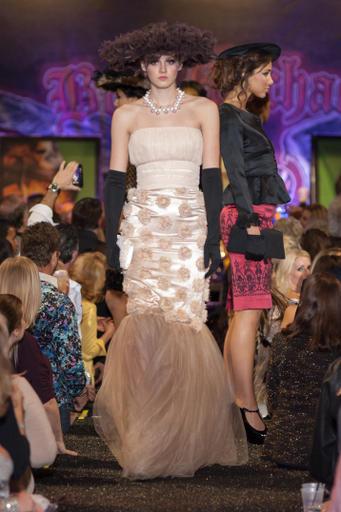 barrett-jackson-fashion-show-2014-doux-belle.jpg