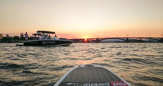 Boot Mainz Theodor Heuss Brücke