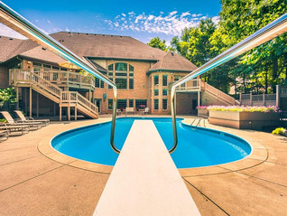 7 Homes for Sale in Cincinnati with Epic Pools