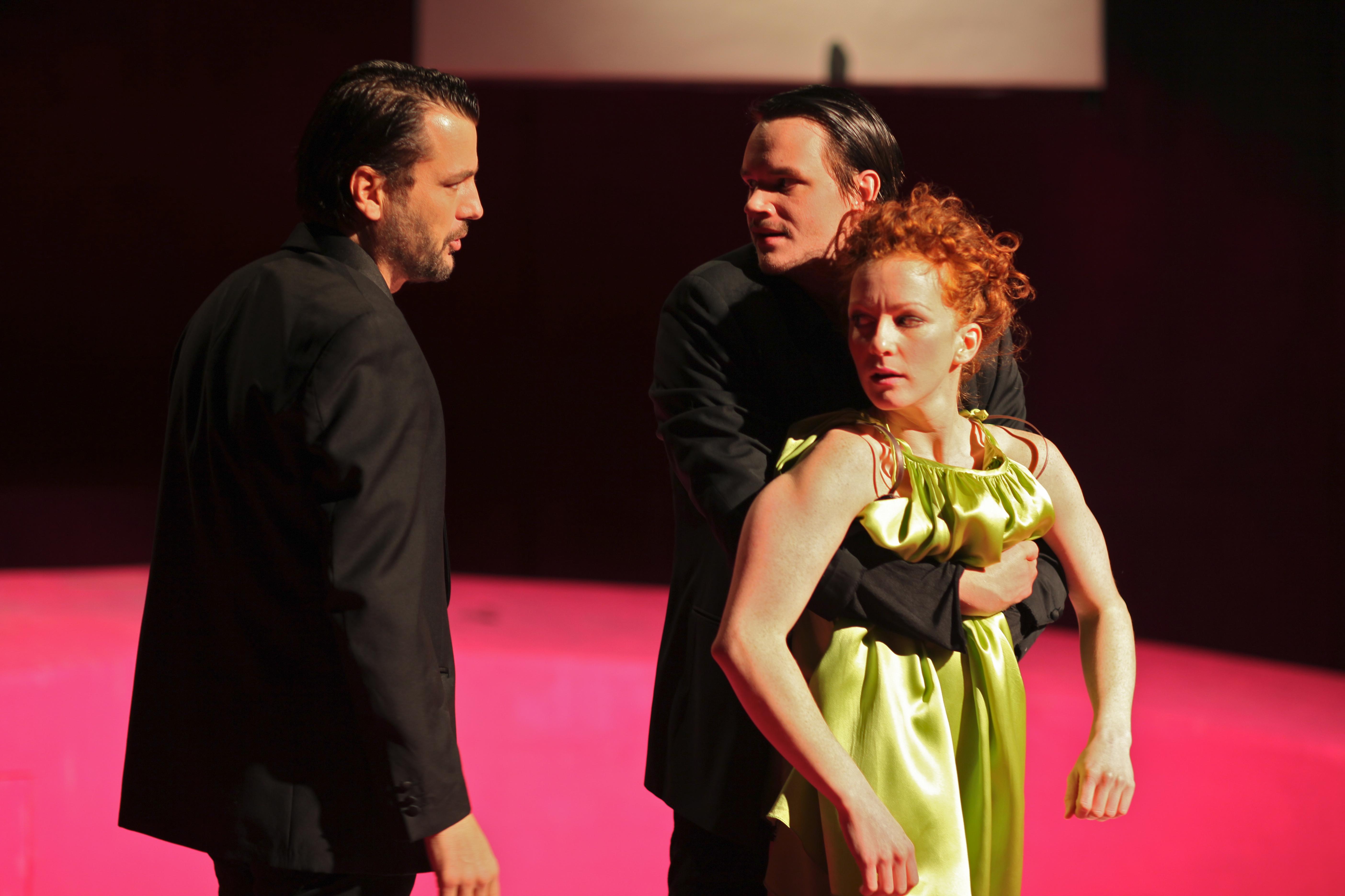 Lulu og mennene. 2009 011
