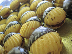 chocolate dipper raspberry shells