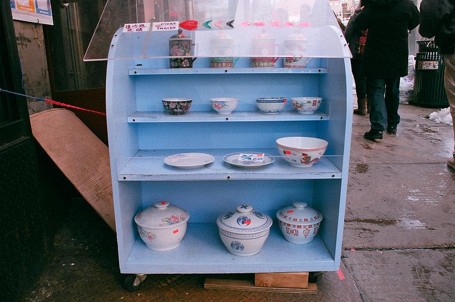 Yuqing Zhu film photography.  Manhattan Chinatown.