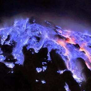 Blue Fire Primadona di Kawah Ijen