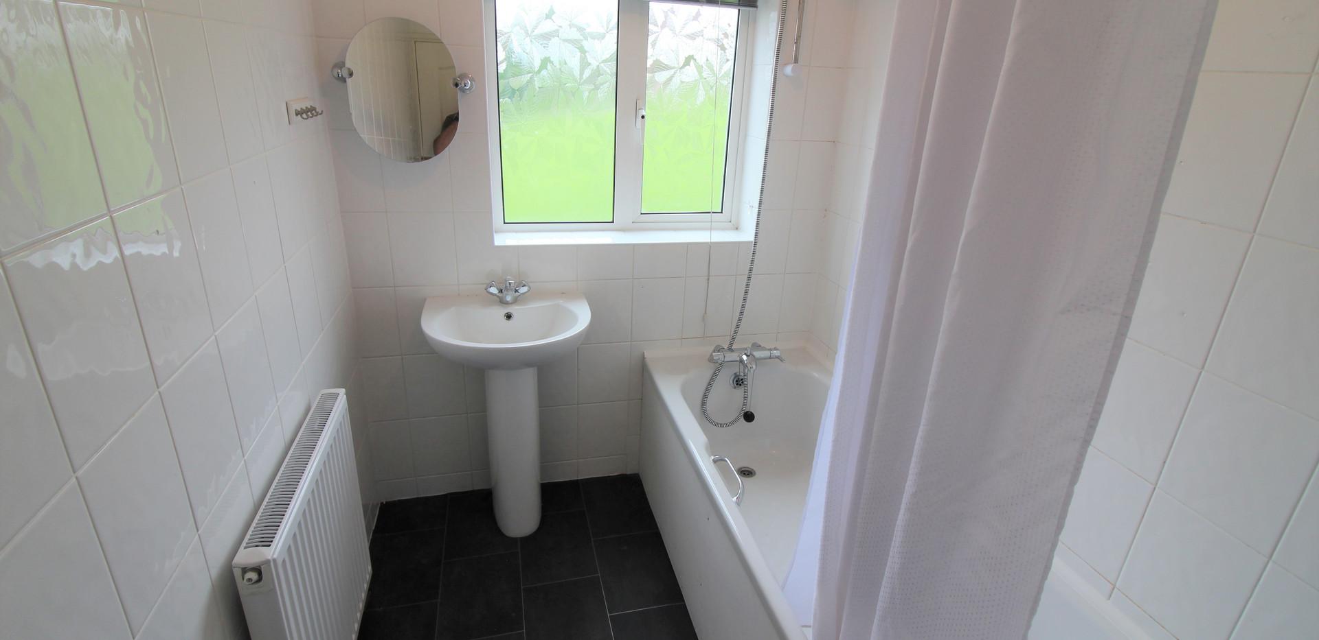 Z-Bathroom.JPG