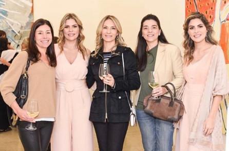 Bia, Karina, Vivi, Silvinha e Ana.jpg