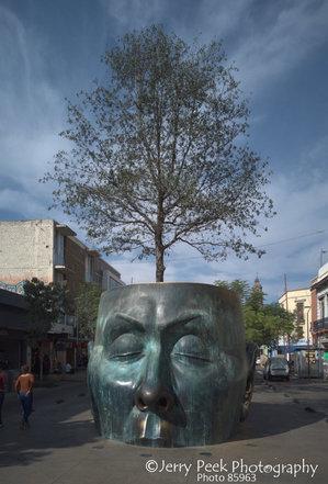 Sculpture, Avenida Alcalde, Guadalajara, Mexico