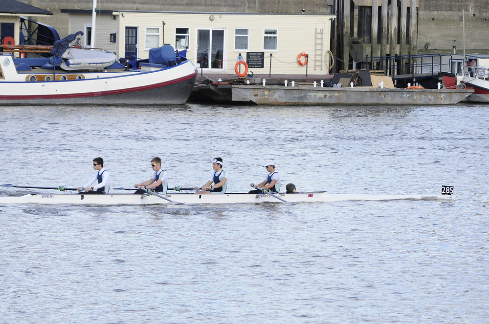 Eton 'B' on the way to a first place finish in Junior Challenge 4+