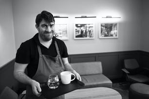 Matěj, Starbucks
