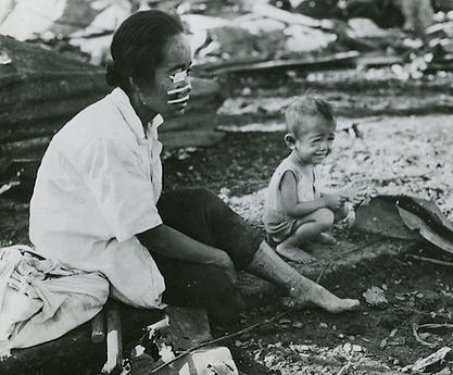 injured mother and her child, Manila 45