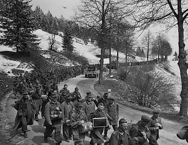 103rd_Inf_Division_with_Captured_German_