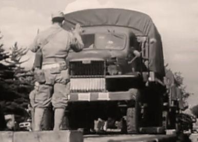 Loading Army truck~mv2.jpg