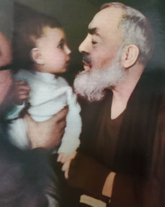 St Padre Pio w:baby.png
