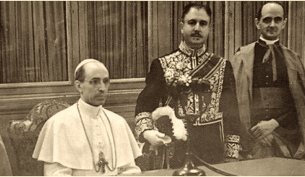Pope Pius XII duo.png