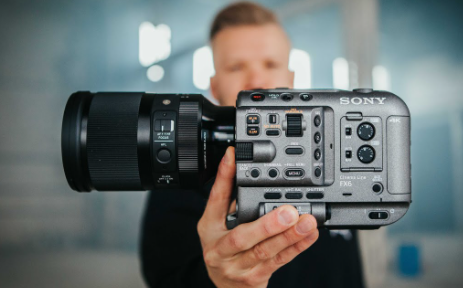 Sony FX6: Let the Camera Do All the Work