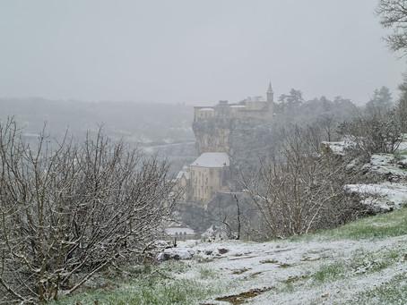 Première neige sur Rocamadour