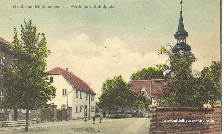 Gruß aus Mittelhausen - Partie am Schulplatz   St. Severinus   Kirche