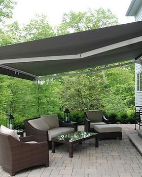 rectractable-awnings-500x500.jpg
