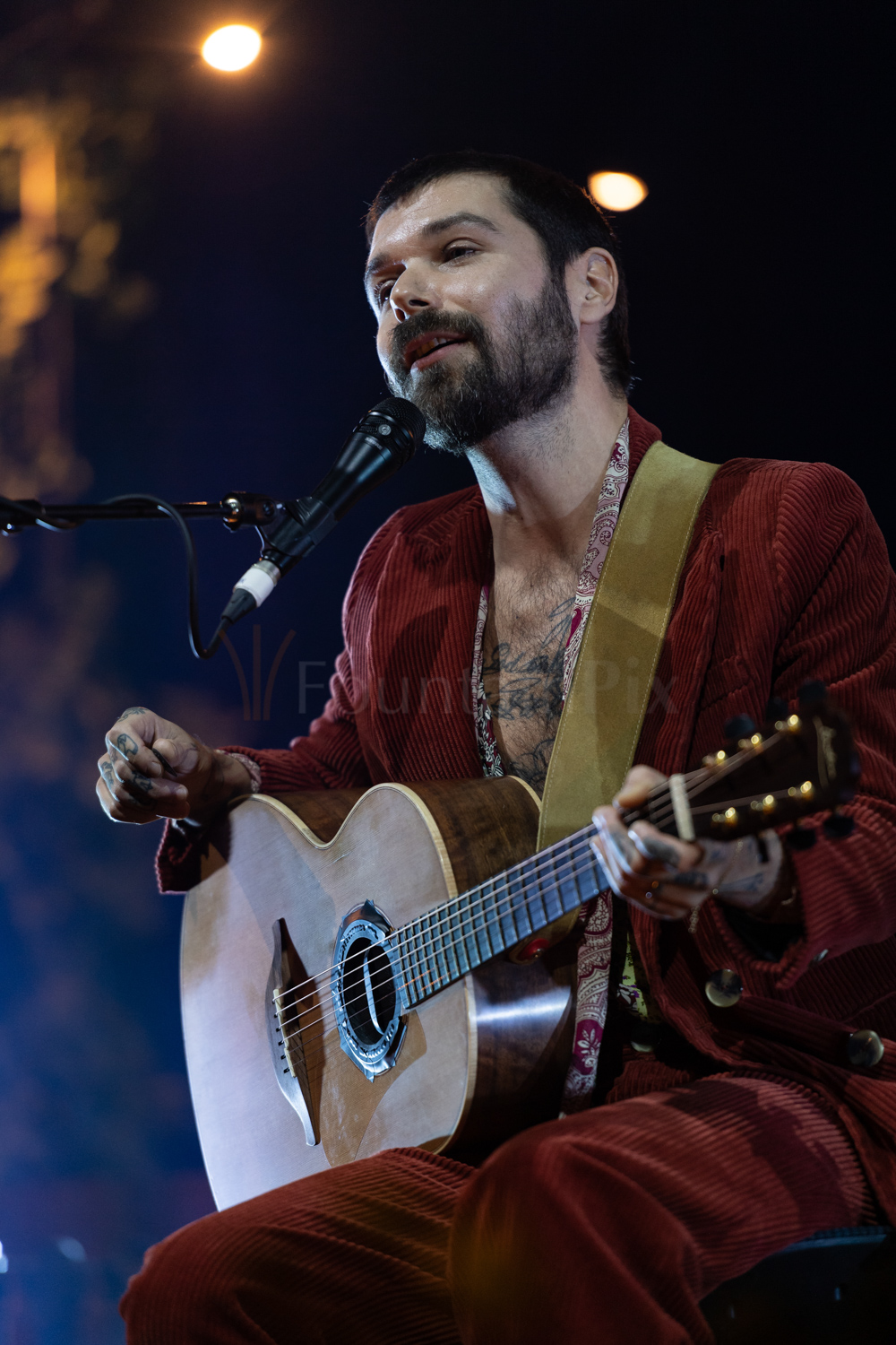2 Simon Neil