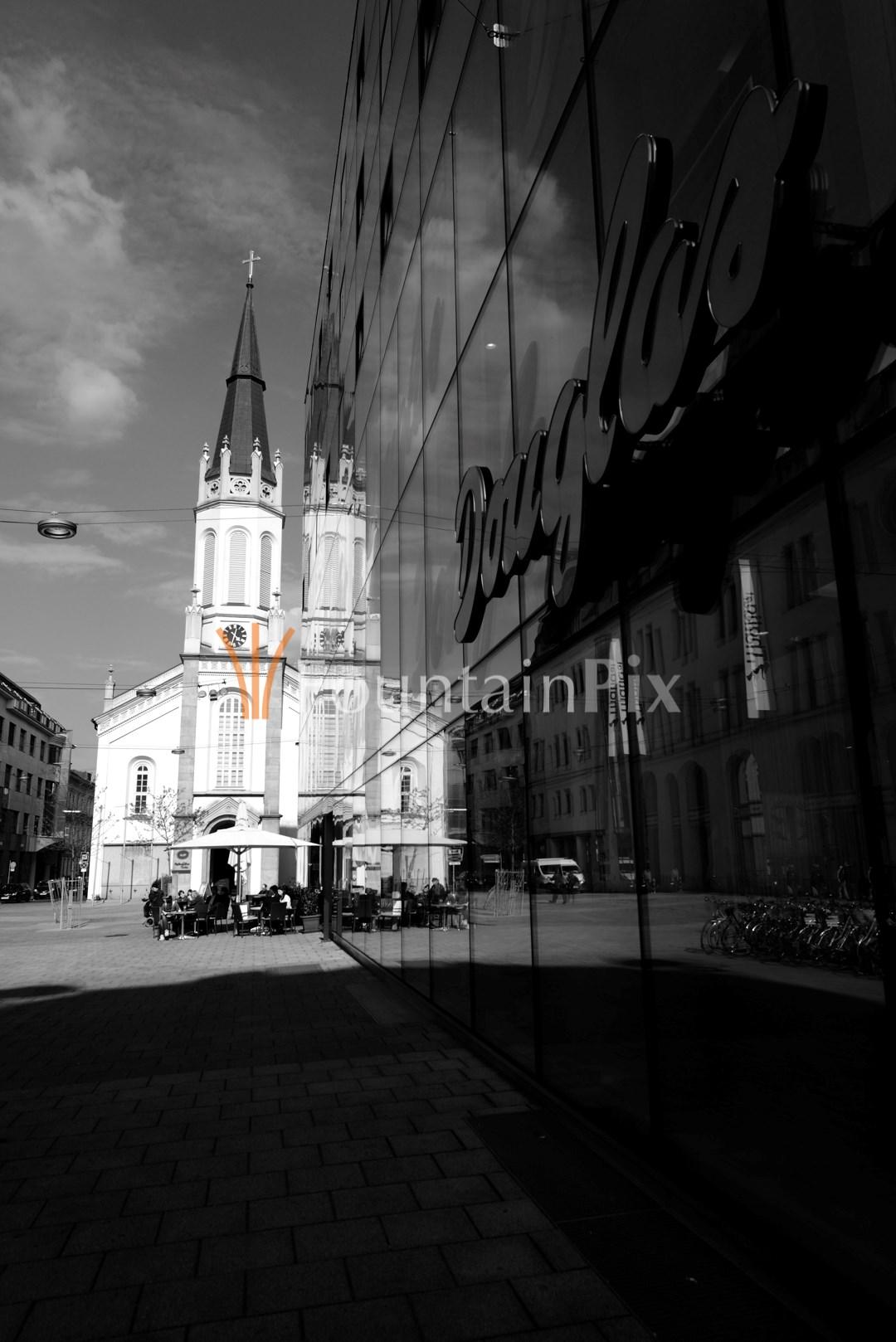 13: Martin-Luther-Platz