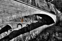 Neue und alte Teufelsbrücke