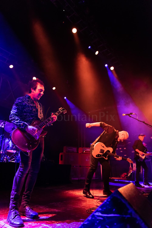 25 Wishbone Ash