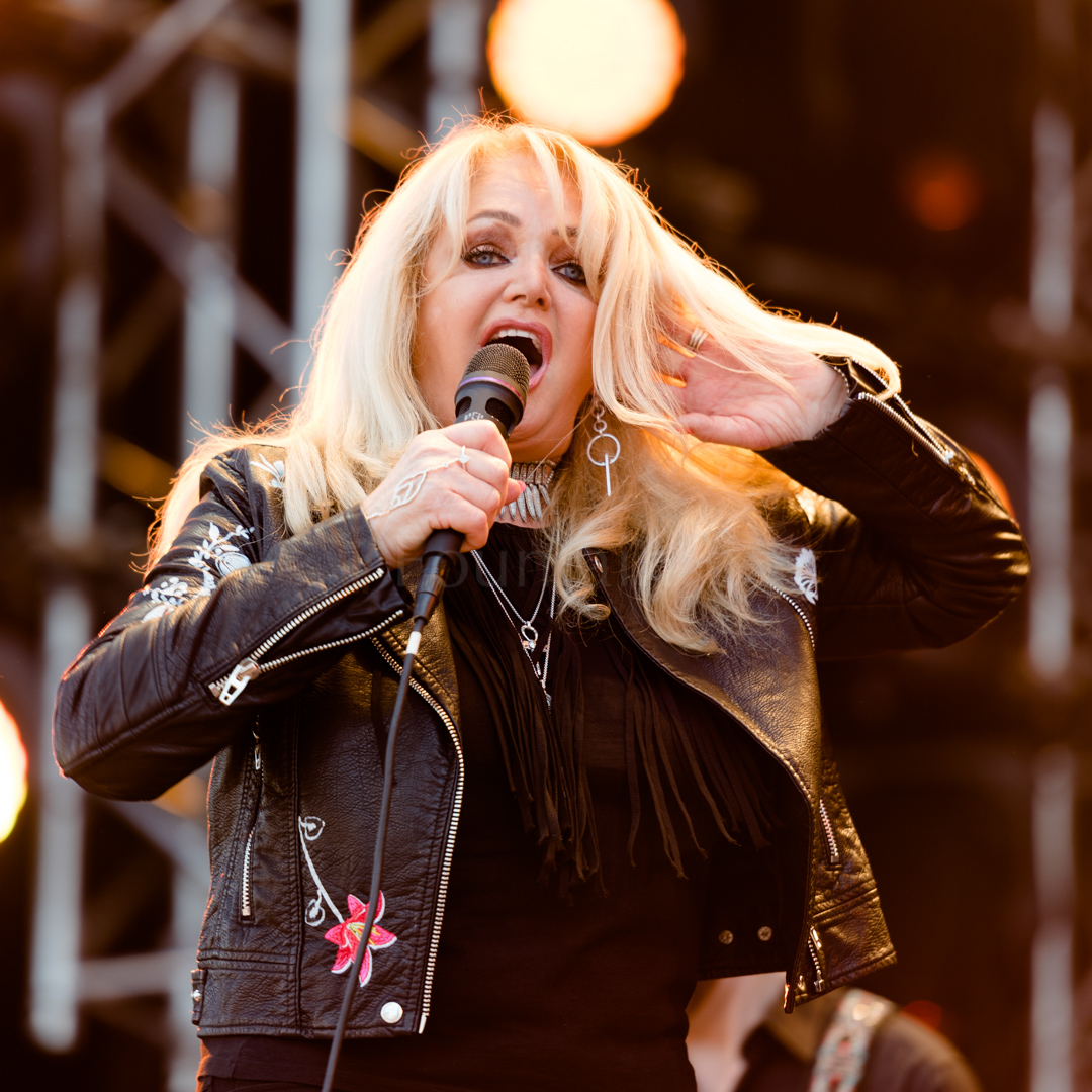 10 Bonnie Tyler