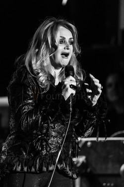 4 Bonnie Tyler