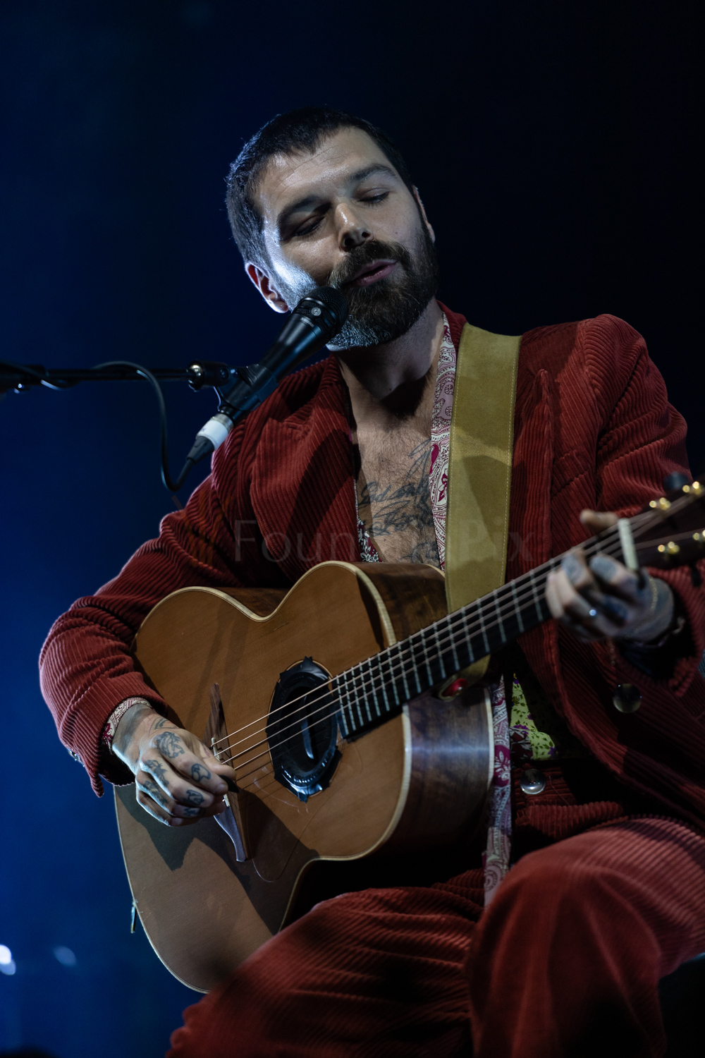 1 Simon Neil